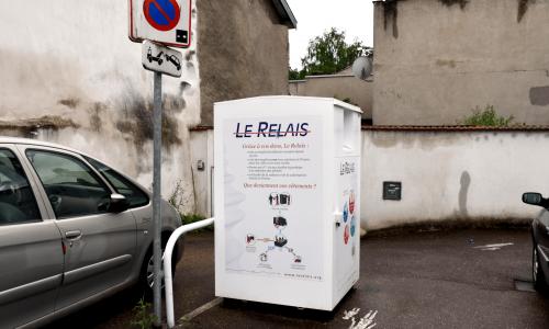 Friperie Solidaire de Château-Salins Benne à vêtements